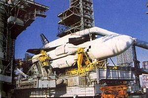Buran erected on pad